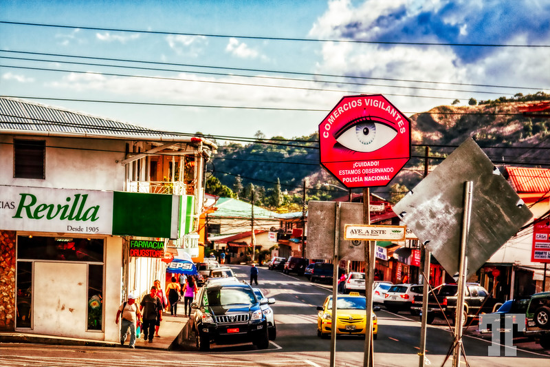 Boquete-vigilent-street-eye-sign