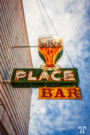 Bar-neon-sign-old
