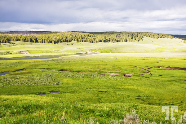 before-storm-yellowstone-national-park-2