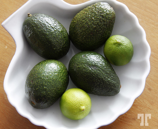 17 Dec. 08<br /> <br /> Avocados and lemons
