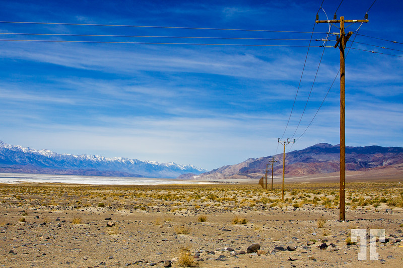 Powerlines-desert