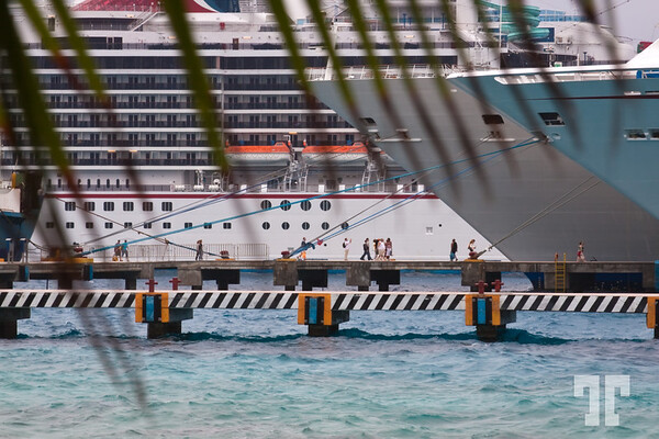 Cruise ships, piers and people