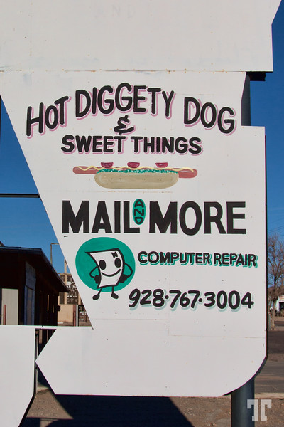 hot-diggety-dog-sign-dolan-springs-az