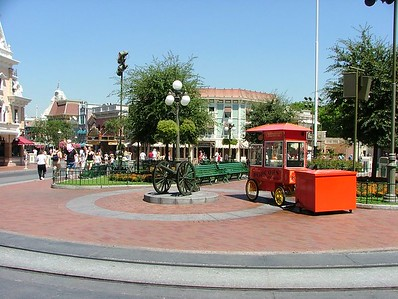 Heck, the Churro cart is totally missing (normally on the left)