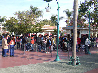 People still lining up to buy multi-day ParkHoppers, Annual Passes, and DCA one day tickets
