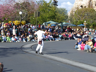 Just before the Parade of Dreams, a Custodial CM entertaining the crowd....