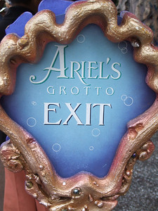 They have fixed all the Ariel's Grotto signs, and now all have the correct spelling.