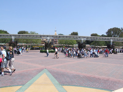 But good sized line to Disneyland