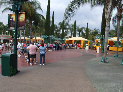 Around 3:30 PM, and only ONE security checkpoint as open on the west side, during Summer peak....