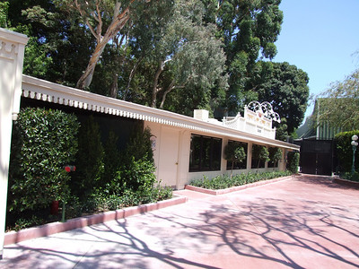 The Kennel Club refurb walls are down