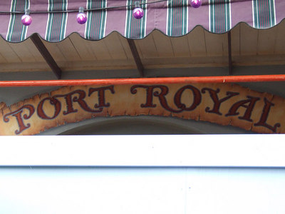 New wording at the old Le Bat en Rouge shop
