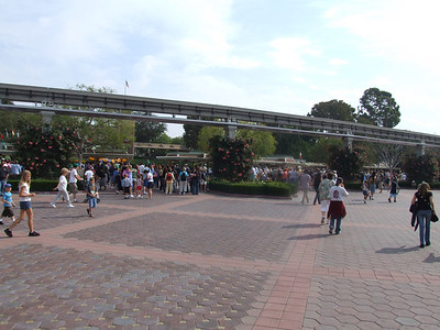 Pretty busy for 9 AM on Sunday, looks like a lot of folks avoided the park yesterday, and decided to come today instead.
