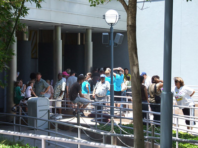 Yep, about 20 folks in line at 12:58 for the 1 PM showing.....
