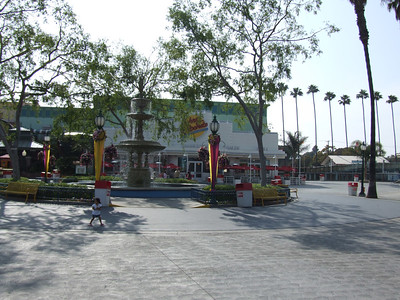 The new Johnny Rockets is now open