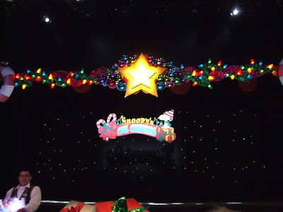 Knott's - Snoopy's Cool Christmas on Ice - 12/2/06