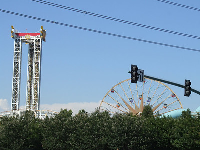 On the way back from Knott's, I did drive by the DLR, but did NOT stop