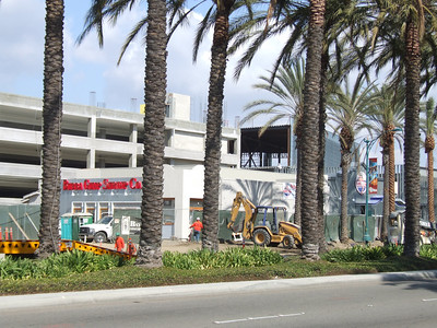 A quick look at the Anaheim GardenWalk project