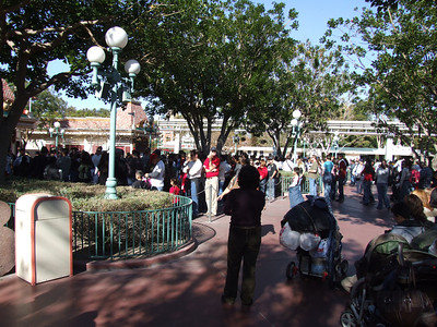 Wow, the lines for the Ticket Windows were crazy, wrapped around the buildings and actually started  in the Main Plaza area