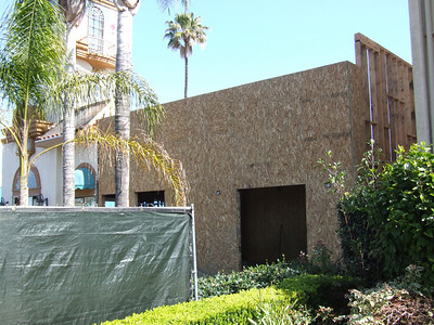Work continues at the Park Vue Inn, for the construction of Cold Stone Creamery