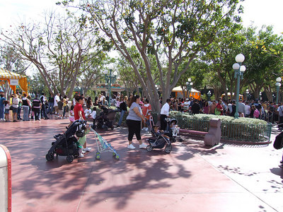 A very busy President's Day Sunday, the lines overflowed at the Ticket Booths