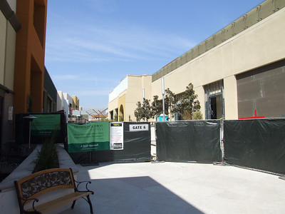 The Main part of Anaheim GardenWalk is scheduled to open in late May, 2008.