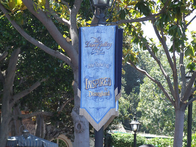 For some reason, a couple of Banners advertising the Disney Gallery are still up near Cafe Orleans