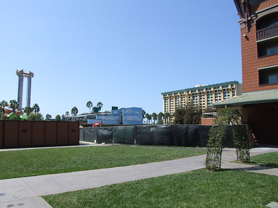 A look at the Grand Californian Hotel and the construction of the DVC units on the south end o f the hotel