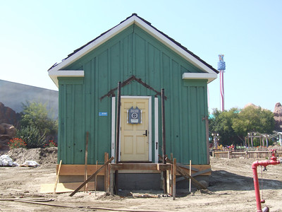 Interesting to see that Knott's moved the Ranger Station to the empty lot they created
