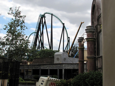 The crane being used to help build the Green Lantern