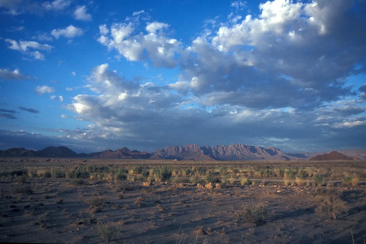 """Namib Deserti, Namibia 1995, ©RobAng<br /> """"Es weiten sich die Augen, der Horizont und das Gefühl für die eigene Nichtigkeit..."""""""