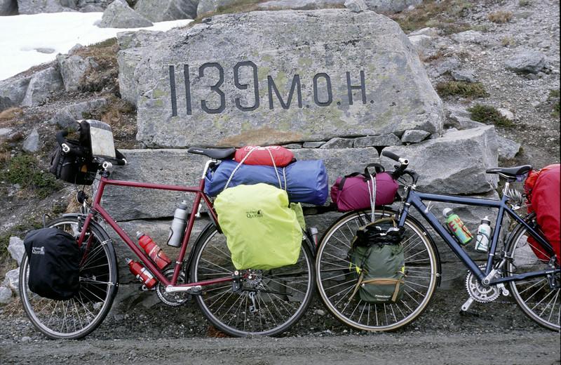 Gamle Strynefjellsvegen. Etappe 13, So 28.6.98:  Oyberg - Stryn, 77km
