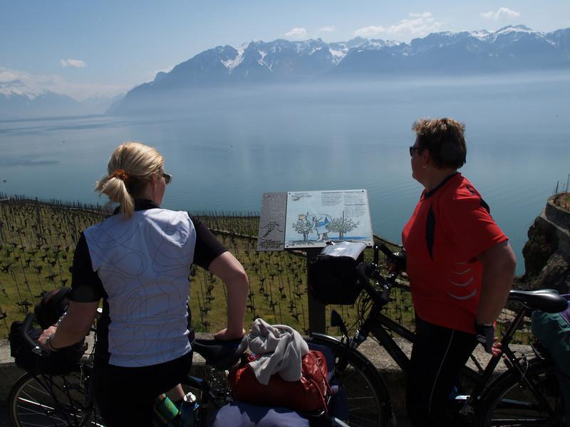 Ostern 09 - per Velo rund um den Genfersee und via Bonneville nach Annecy / Aufnahmeort  Chexbres (486.6 m), Chexbres, Schweiz /  ©  Rob Tani