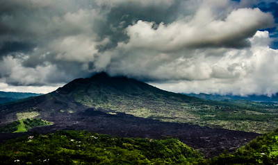 Storm on the mountain, Bali