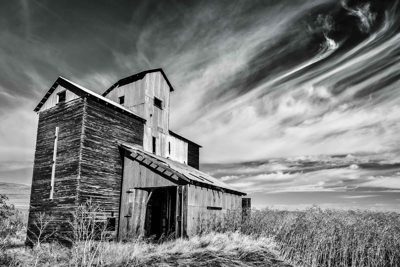 Looming Sky- The Palouse