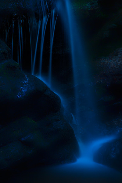 © 2013 Lisa Ryan - Blue Waterfall