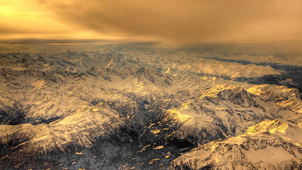The Alps between Switzerland and Italy HDR.