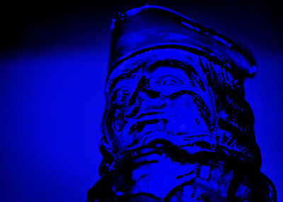 Bogus blatant blue boy bottle beacons.