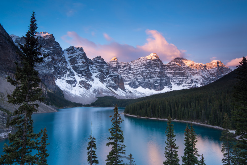 Dawn. Moraine Lake. Near Lake Loiuse, Alberta
