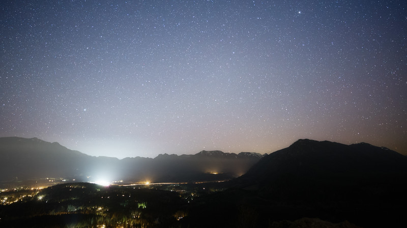 North Bend, Rattlesnake - View of stars, mountains, and city lights