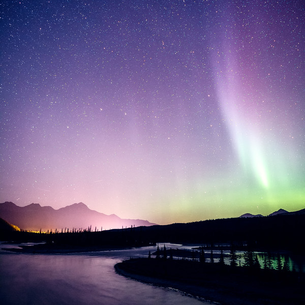 Jasper, Athabasca Bridge - Aurora over bend in river, square