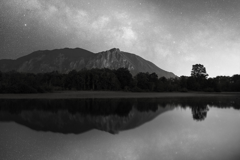 Snoqualmie, Borst Lake - Milky Way in black and white over Mt. Si in late spring, reflected over lake