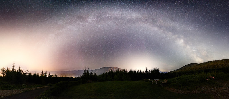 Snoqualmie, Snoqualmie Point - The Milky Way arcing over the valley and Mt. Si