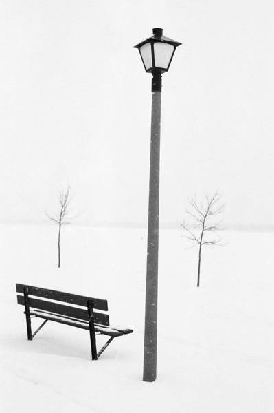 Falling snow simplifies scenes.
