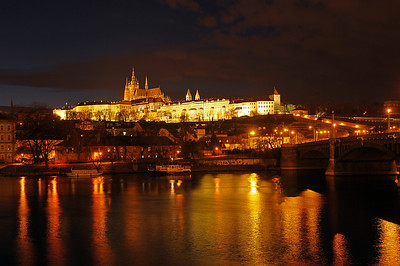 Another one of these typical Prague night pictures...