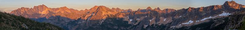 Rainy Pass, Cutthroat Pass - Sunset panorama of alpenglow on peaks south of Cutthroat Pass