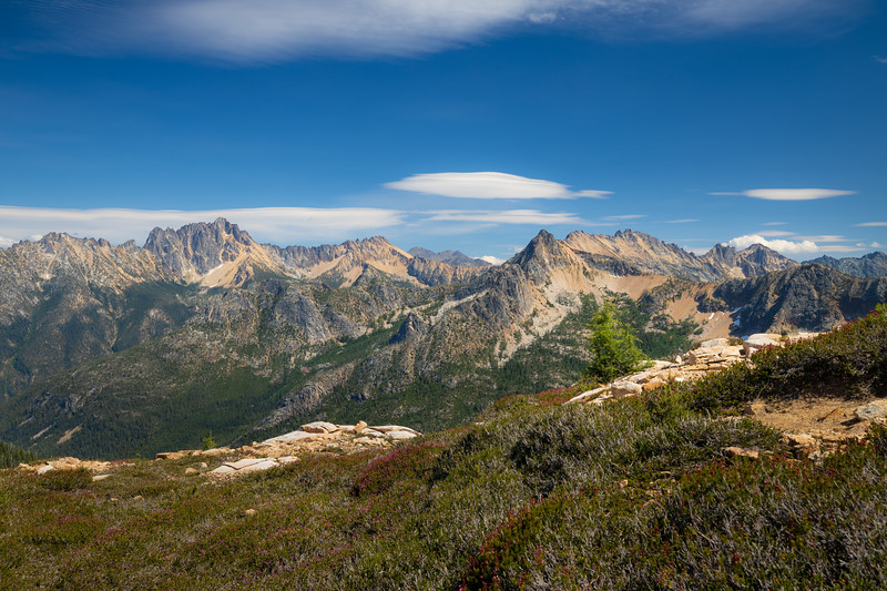 Rainy Pass, Cutthroat Pass - Valley with Silver Star and Hinkhouse