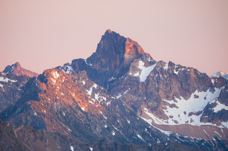 Harts Pass, Slate Peak - Alpenglow on surrounding peaks