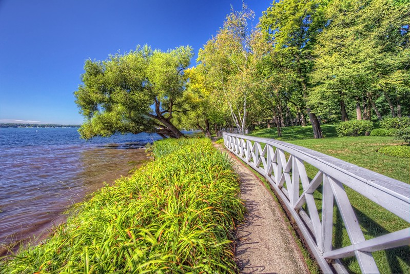 Lake Geneva Shore Path