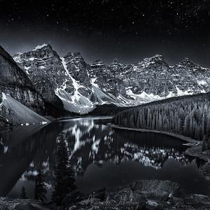 Night on Lake Moraine