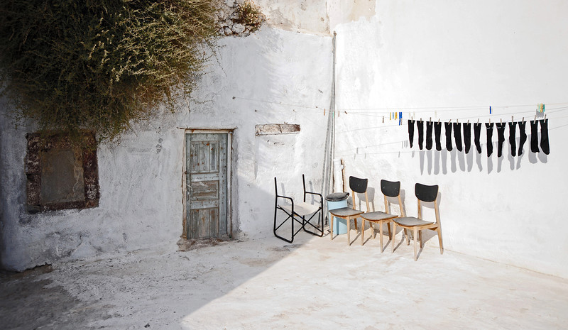 Courtyard in the village of Oia on Santorini, Greece